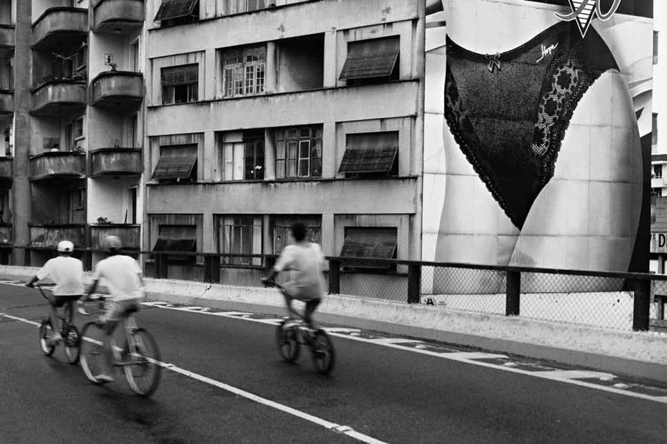 Walter-Carvalho_Minhocao_Sao-Paulo_1994.jpg