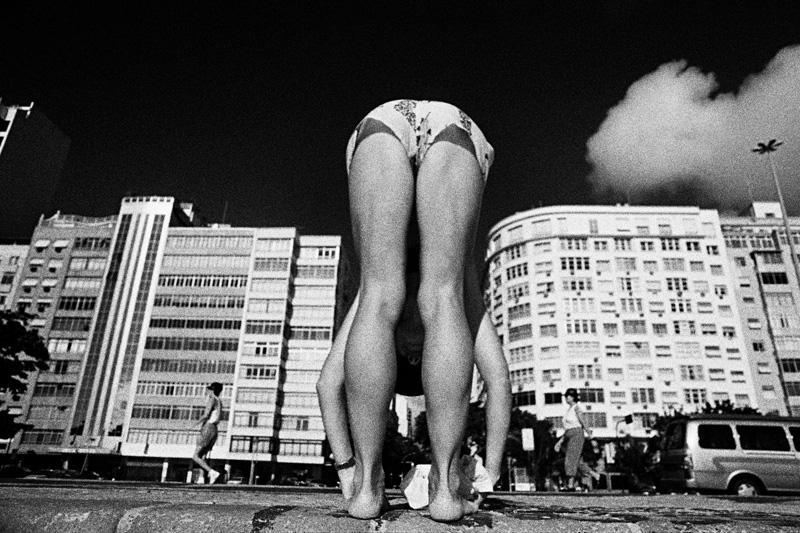mulher-calcadao-copacabana-kittyparanagua.jpg