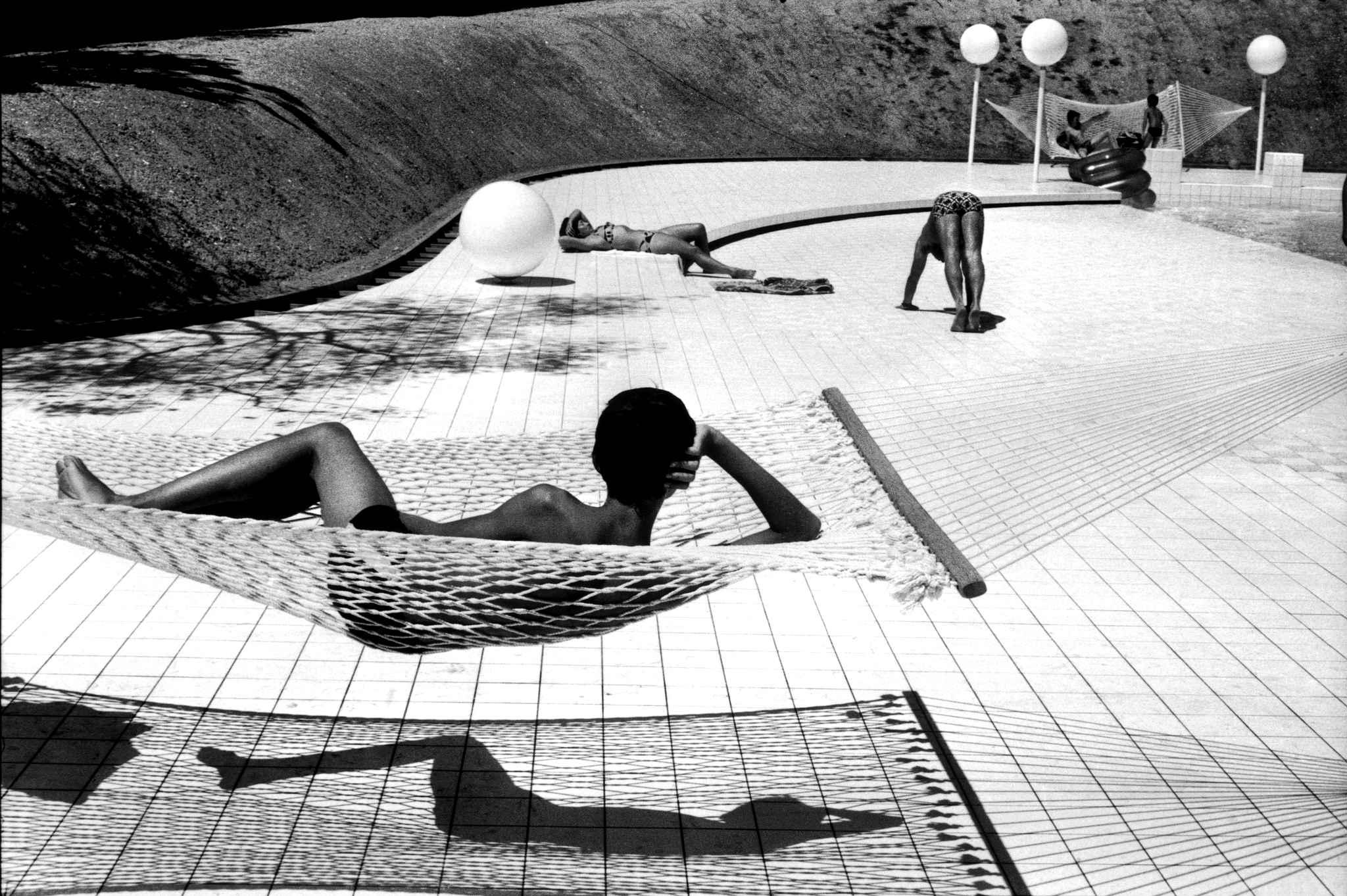 foto: Martine franck – Piscine, 1976