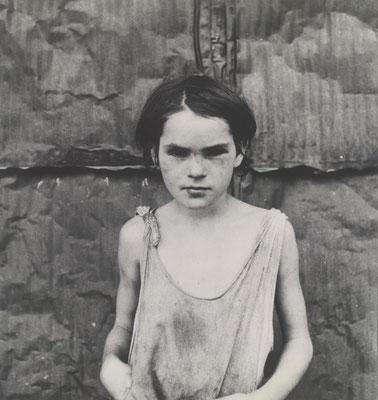 dorothea lange - Damaged Child,  - 1936Oklahoma.jpg