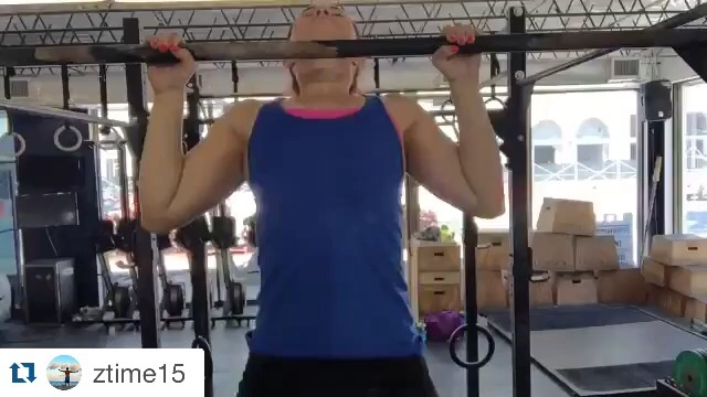 Video posted on www.facebook.com/crossfithype  @crossfithype