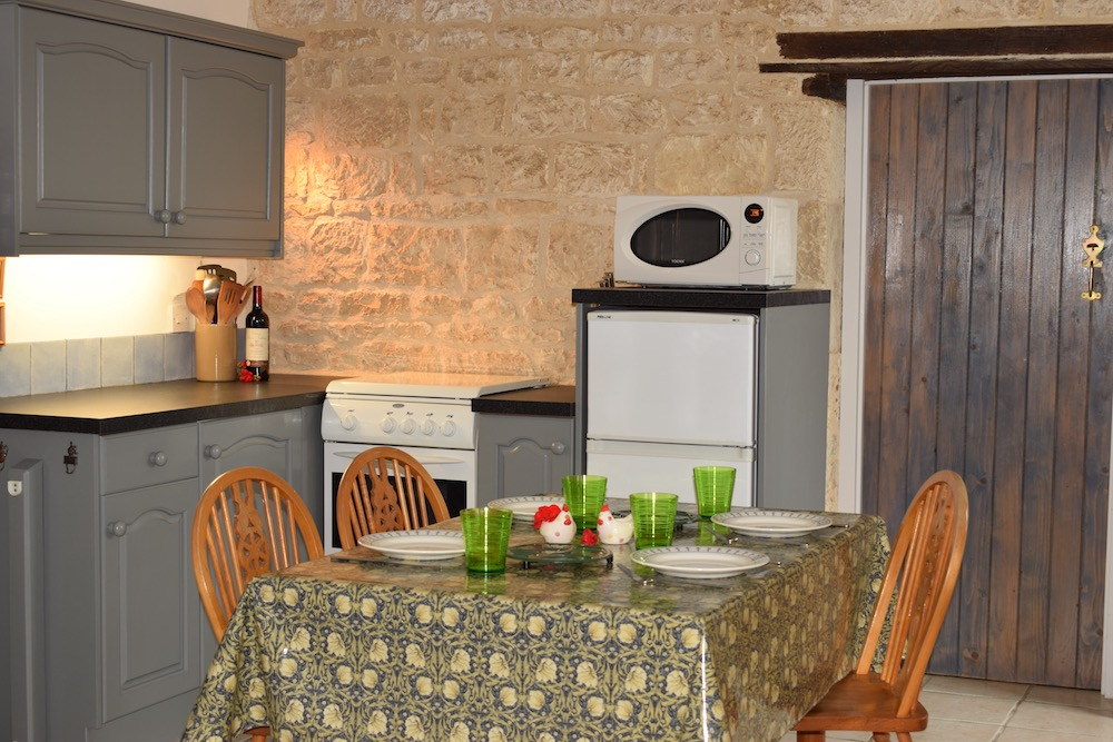 Robins Kitchen.jpg