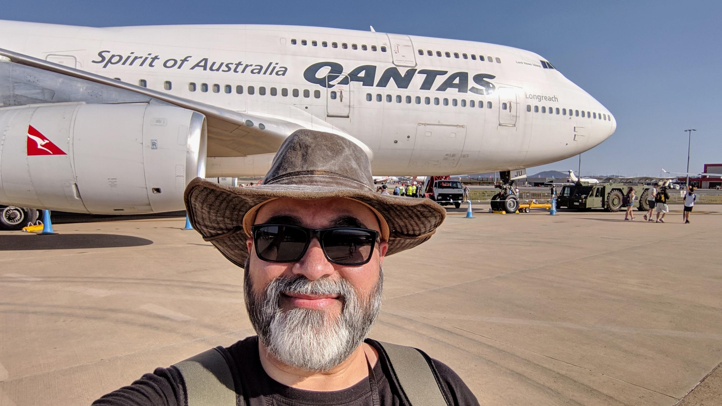 Qantas Boeing 747-400 Longreach - side.jpg