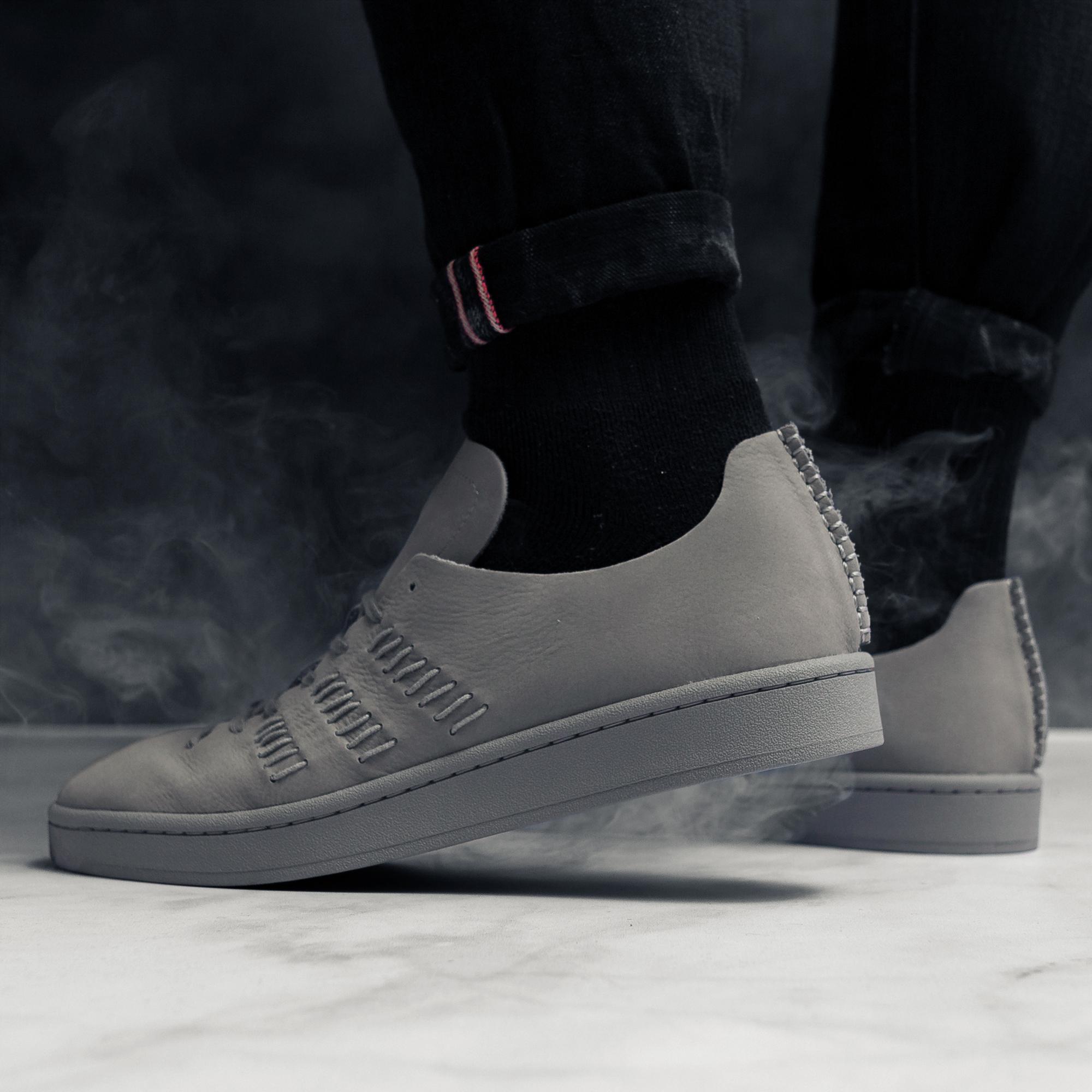17_4_21_AdidasWingsSneakers_07.jpg