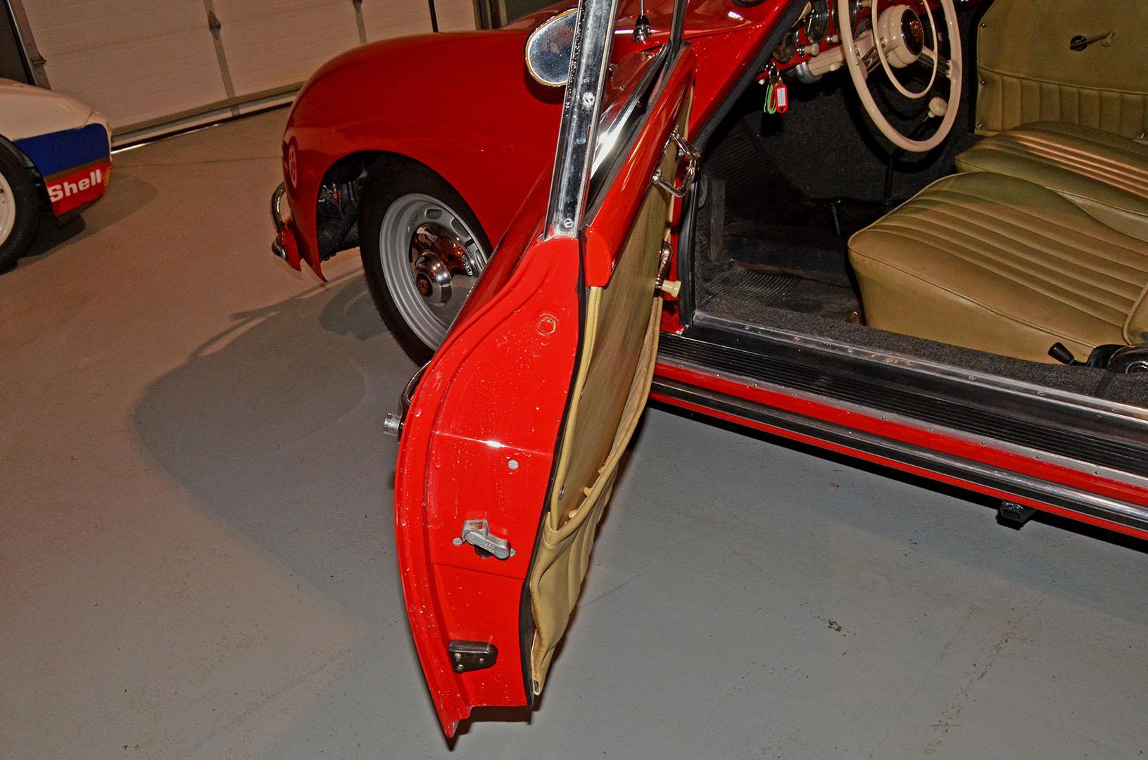 1958B_Porsche_356_Red_017.jpg