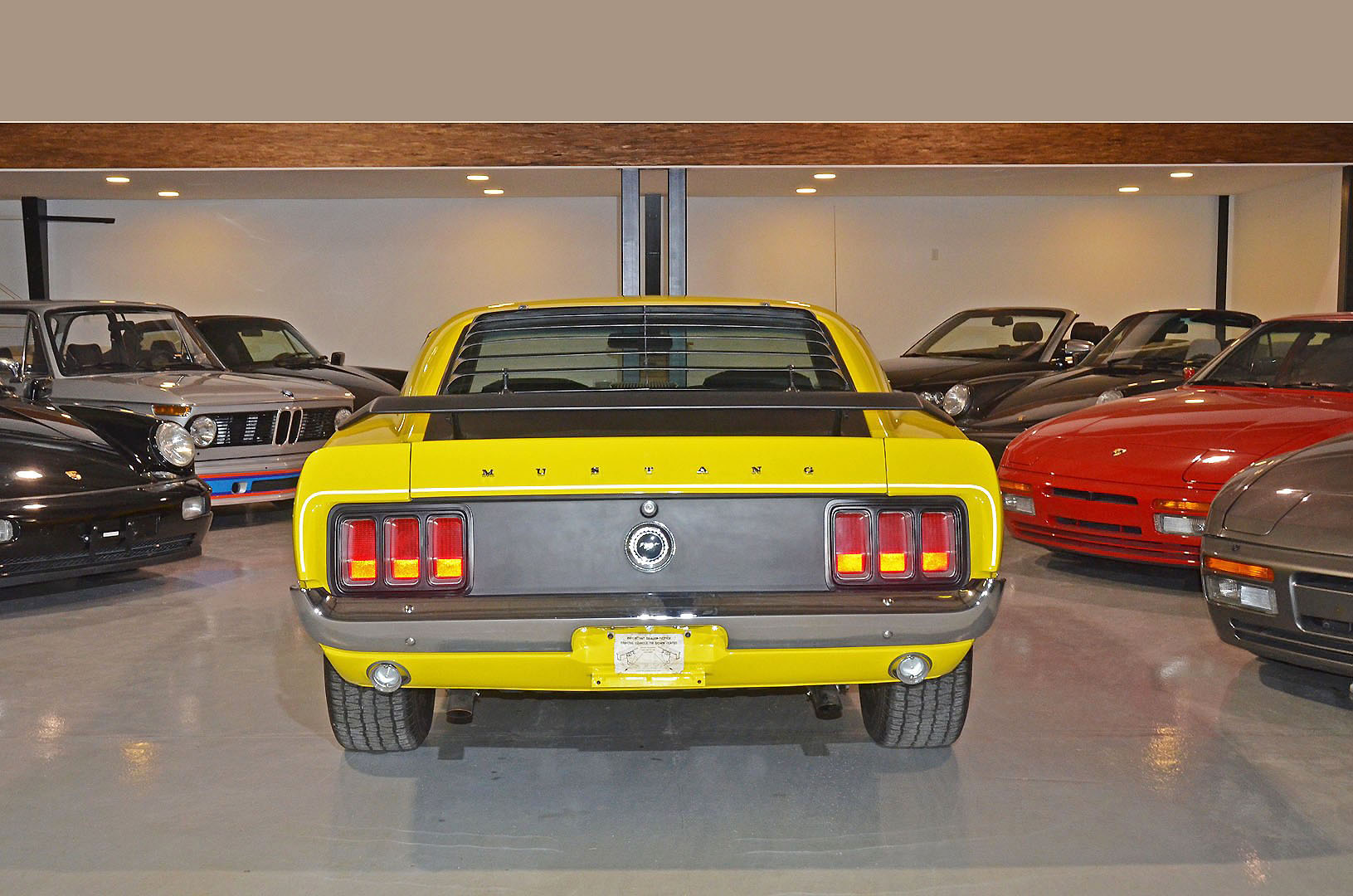 1970B_Ford_Mustang_Boss_302_Yellow_005a.jpg