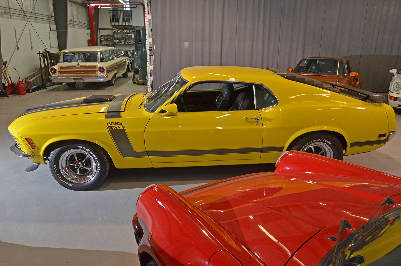 1970B_Ford_Mustang_Boss_302_Yellow_007.jpg