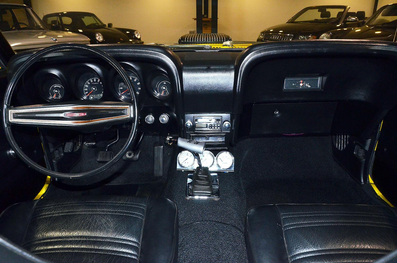 1970B_Ford_Mustang_Boss_302_Yellow_032.jpg