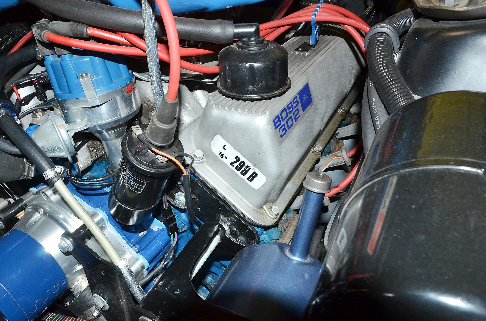 1970B_Ford_Mustang_Boss_302_Yellow_037.jpg