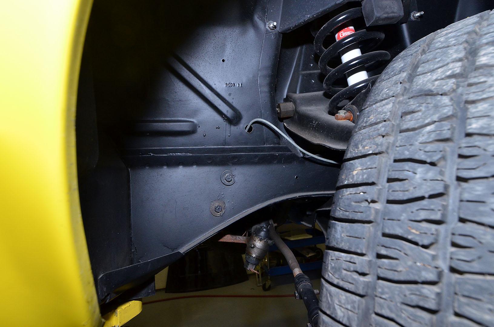 1970B_Ford_Mustang_Boss_302_Yellow_057.jpg
