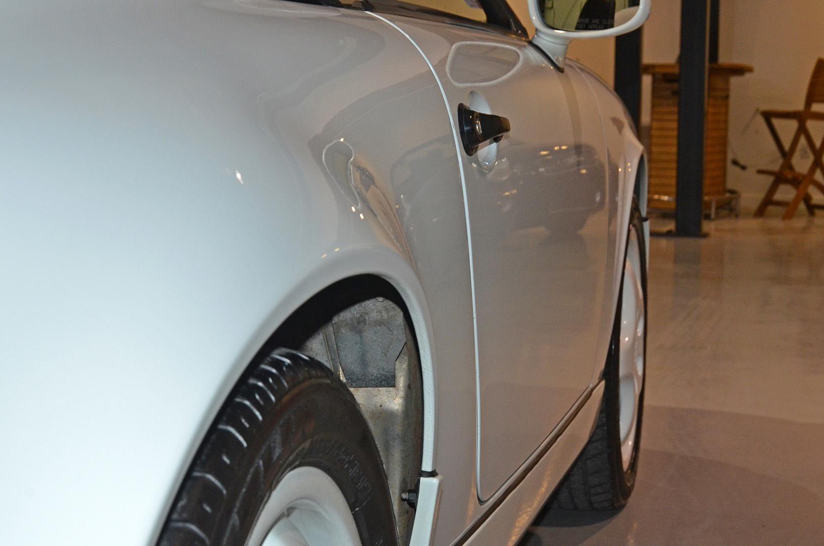 1994B_Porsche_964_Speedster_White_20150607_15.jpg