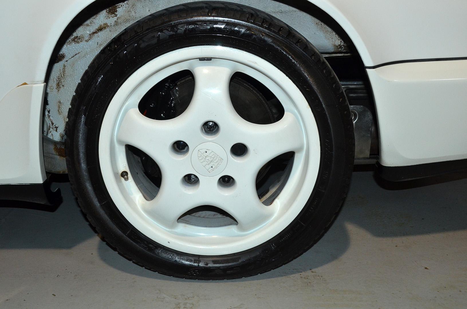 1994B_Porsche_964_Speedster_White_20150607_43.jpg