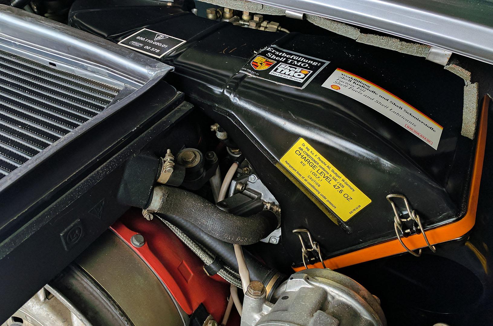 1989G_Porsche_911_Turbo_Cabriolet_Grey_029.jpg