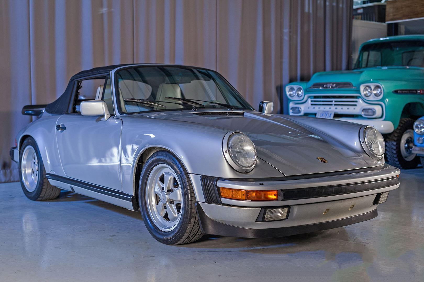 1989F_Porsche_911_Coupe_Silver_Anniversary_002.jpg