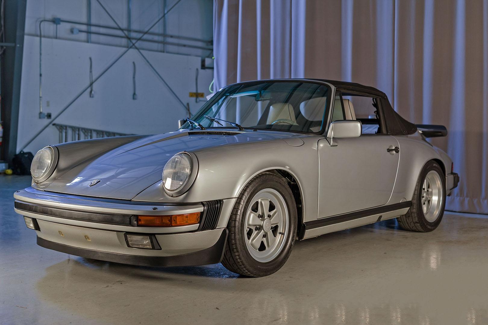 1989F_Porsche_911_Coupe_Silver_Anniversary_004.jpg