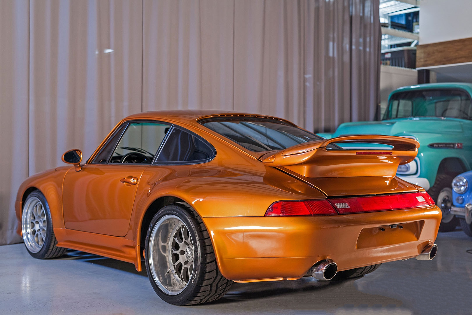 1977C_Porsche_911_Bronze_006.jpg
