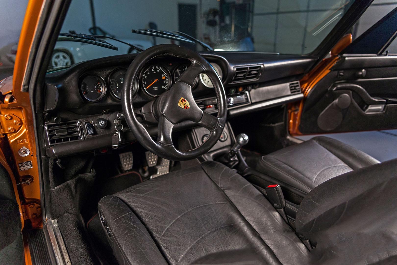 1977C_Porsche_911_Bronze_009.jpg