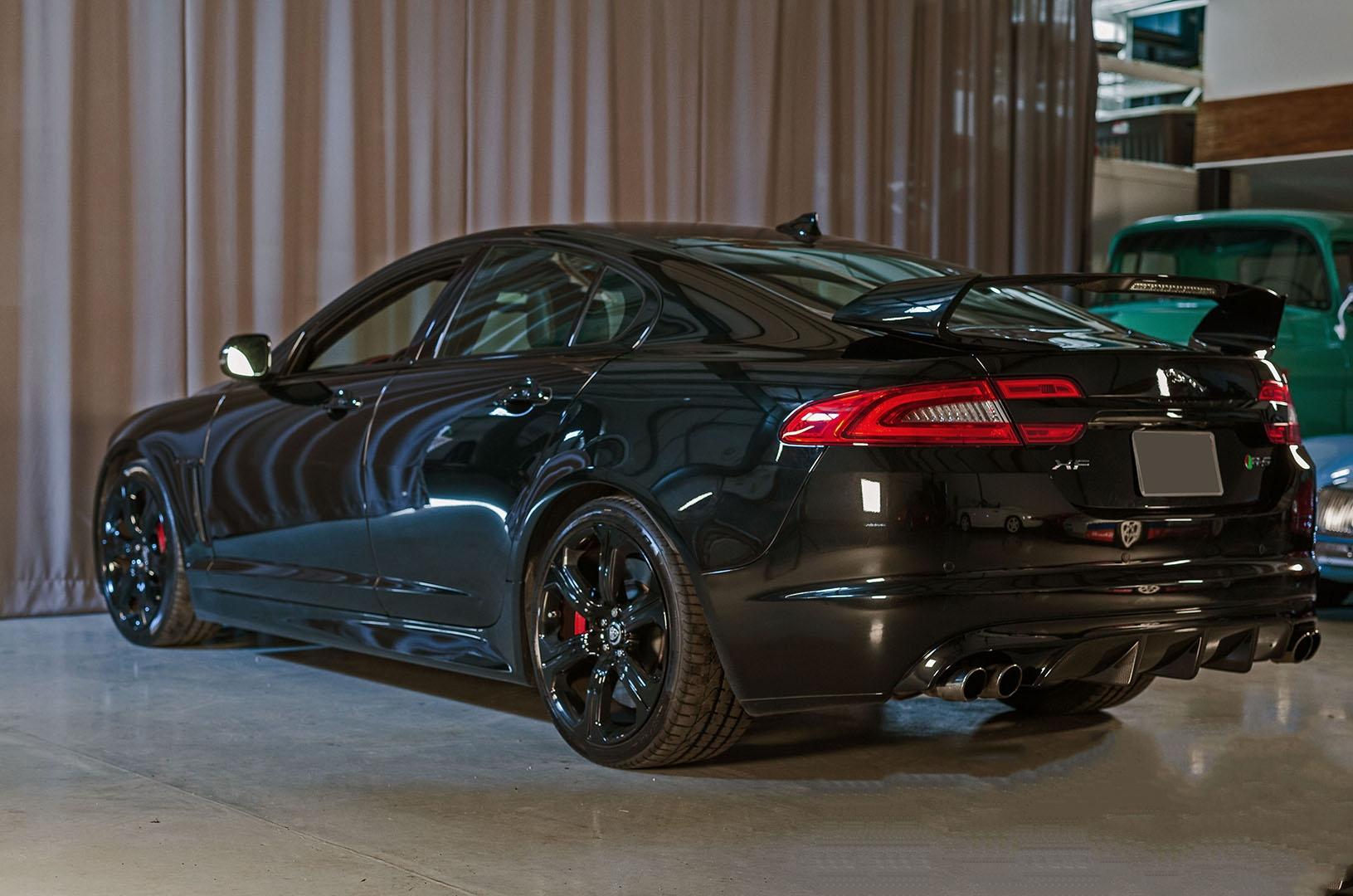 2013A_Jaguar_XFR-S_Black_006.jpg