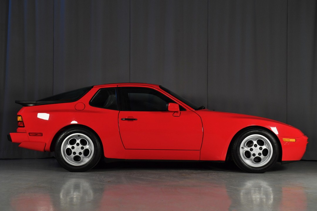 1987A-Porsche-Turbo-Red06.jpg
