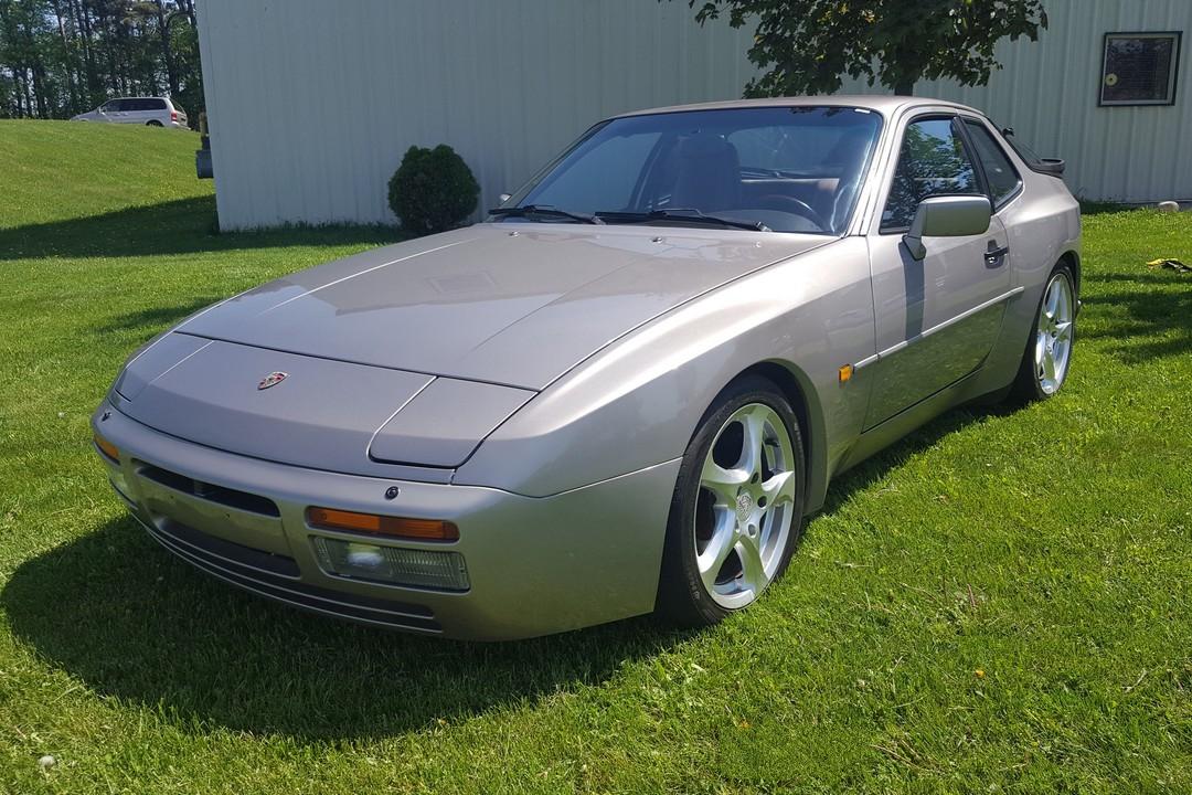 1988G-Porsche-944-Turbo-Watermark04.jpg