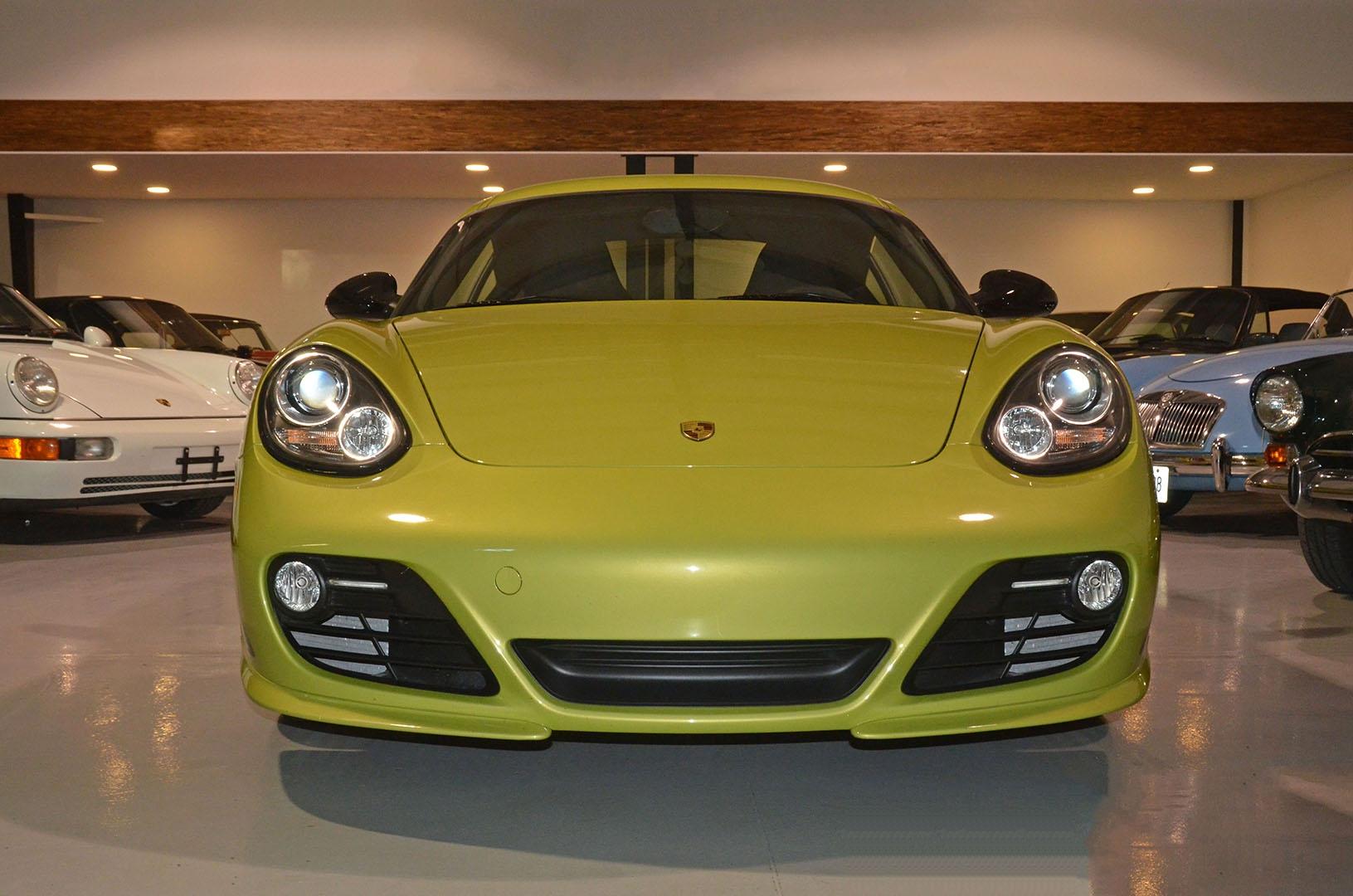 2012B_Porsche_Cayman_R_Coupe_Green_001a.jpg