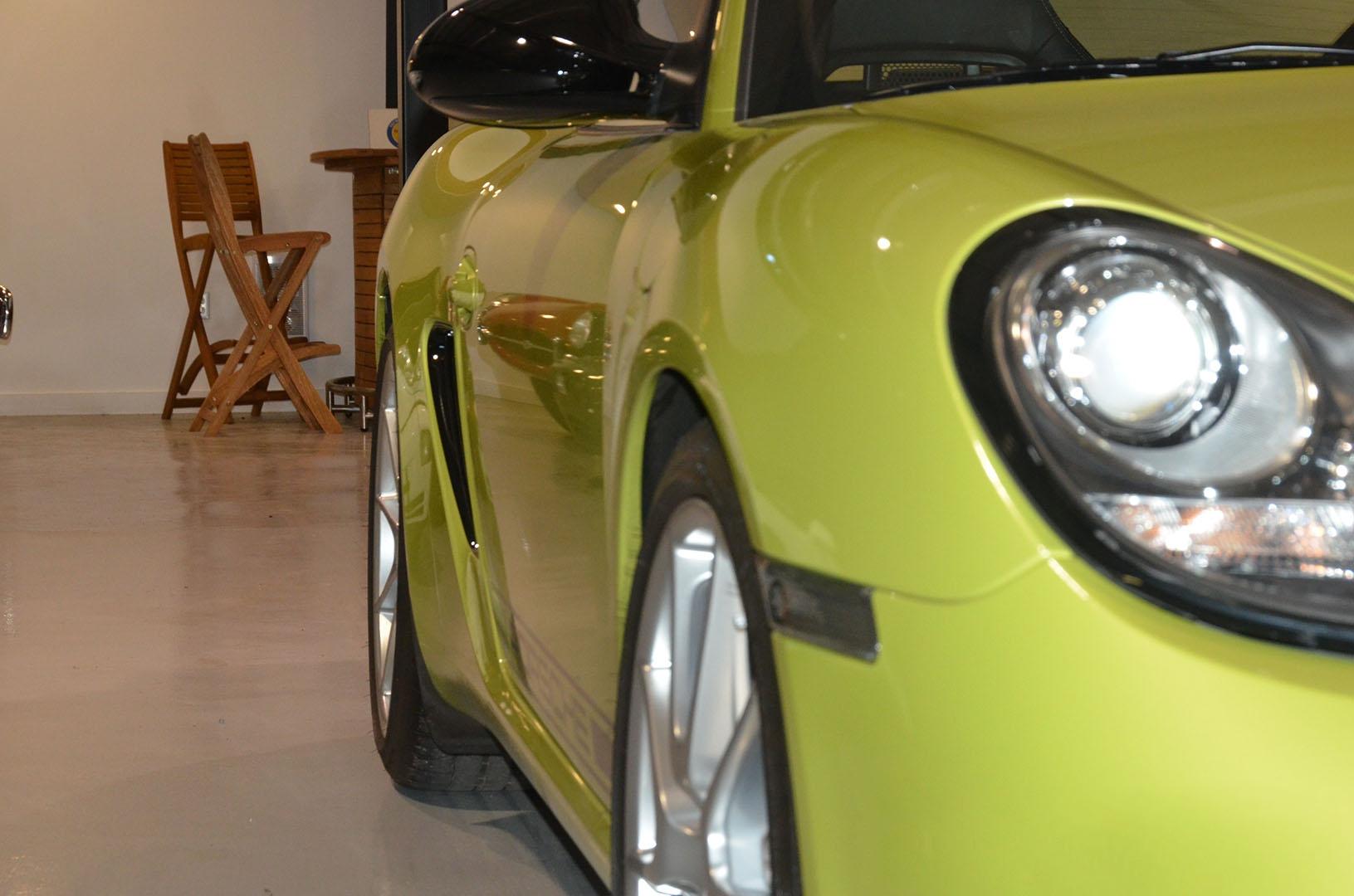 2012B_Porsche_Cayman_R_Coupe_Green_013.jpg