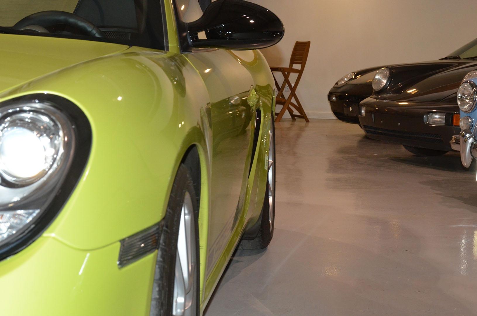 2012B_Porsche_Cayman_R_Coupe_Green_014.jpg