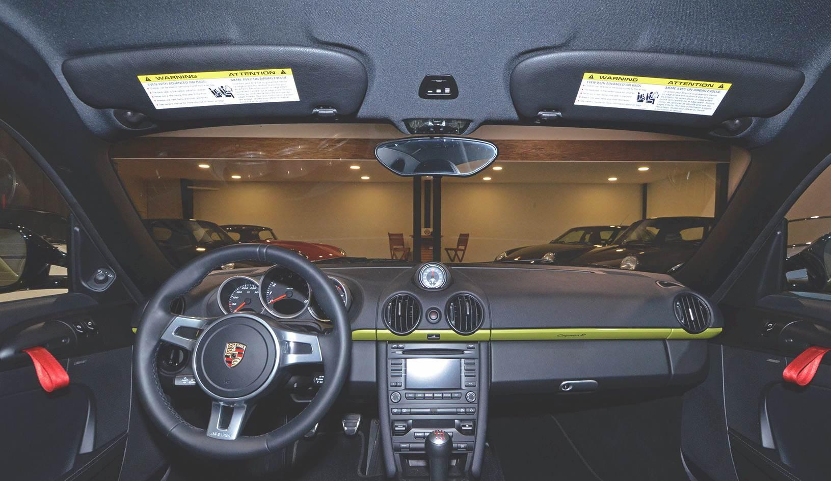 2012B_Porsche_Cayman_R_Coupe_Green_035.jpg