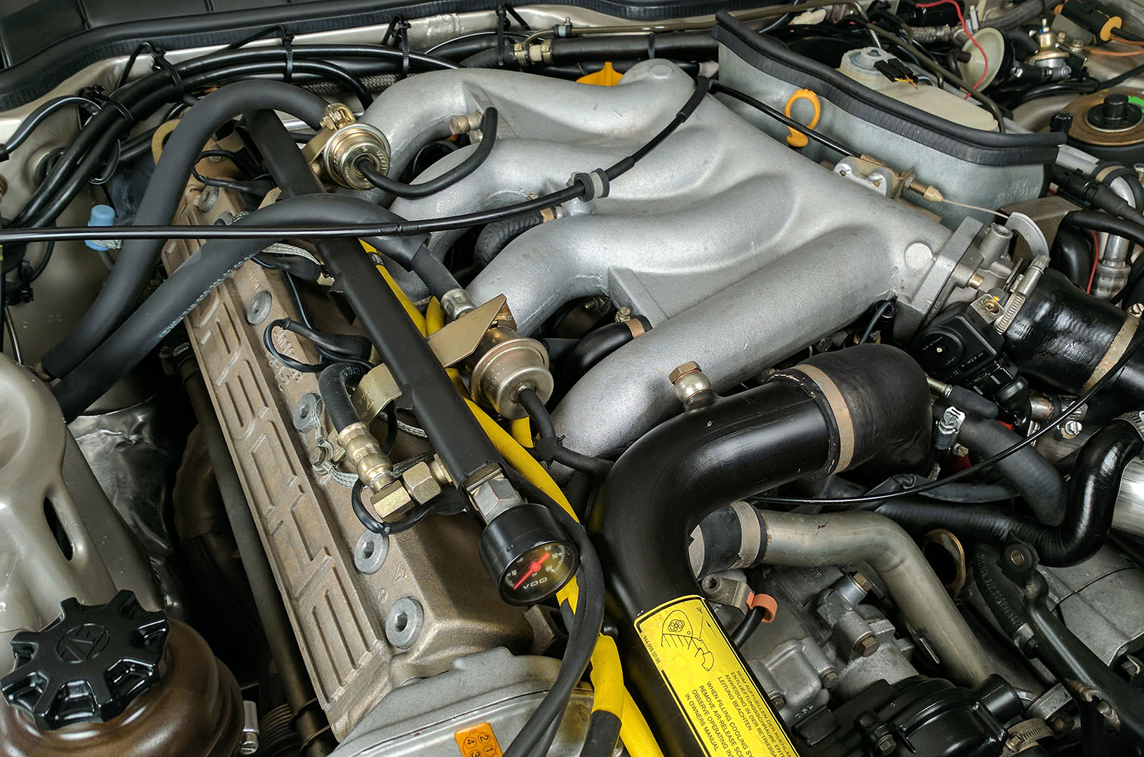 1989D_Porsche_944_Turbo_Silver_013.jpg