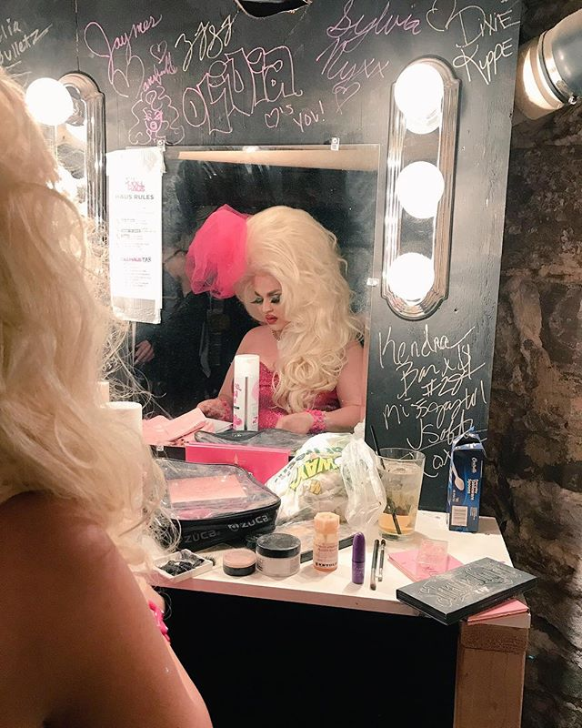 Backstage with @jaymesmansfield at @d.i.x._milwaukee for the #RuPaul #DragRace premiere party. ❤️🎀💅🏼💕 : : : #milwaukee #drag #celebrity #tobaccofree #smokefree #beauty #JaymesMansfield #rupaulsdragrace #backstage #publichealth #hero #perforder #thisfreelife #lgbt