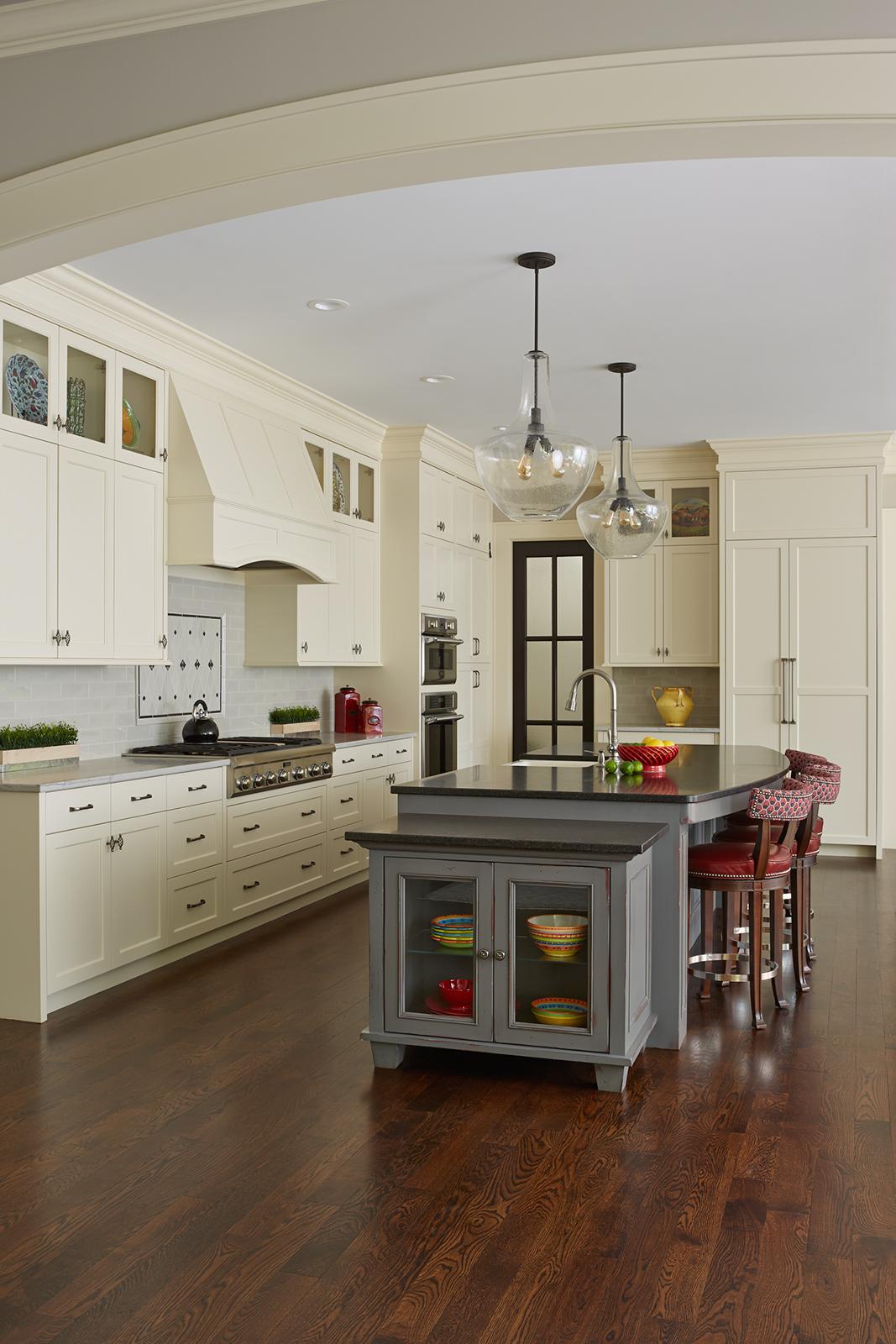 Edina_creekside_kitchen-v3_lrg.jpg