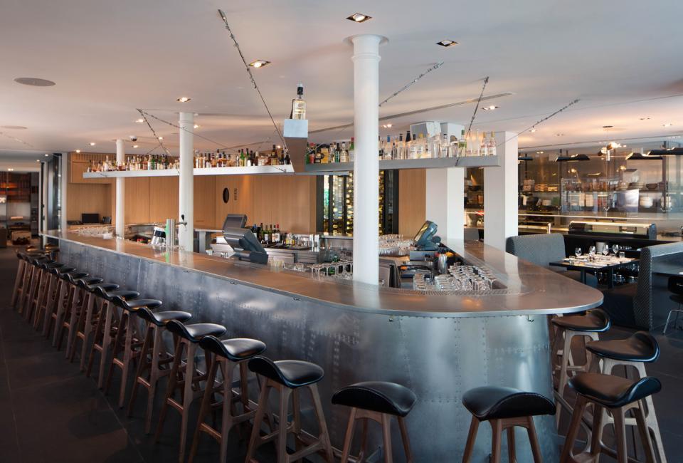 Izakaya Japanese Restaurant by BK Architects_03_delood.jpg