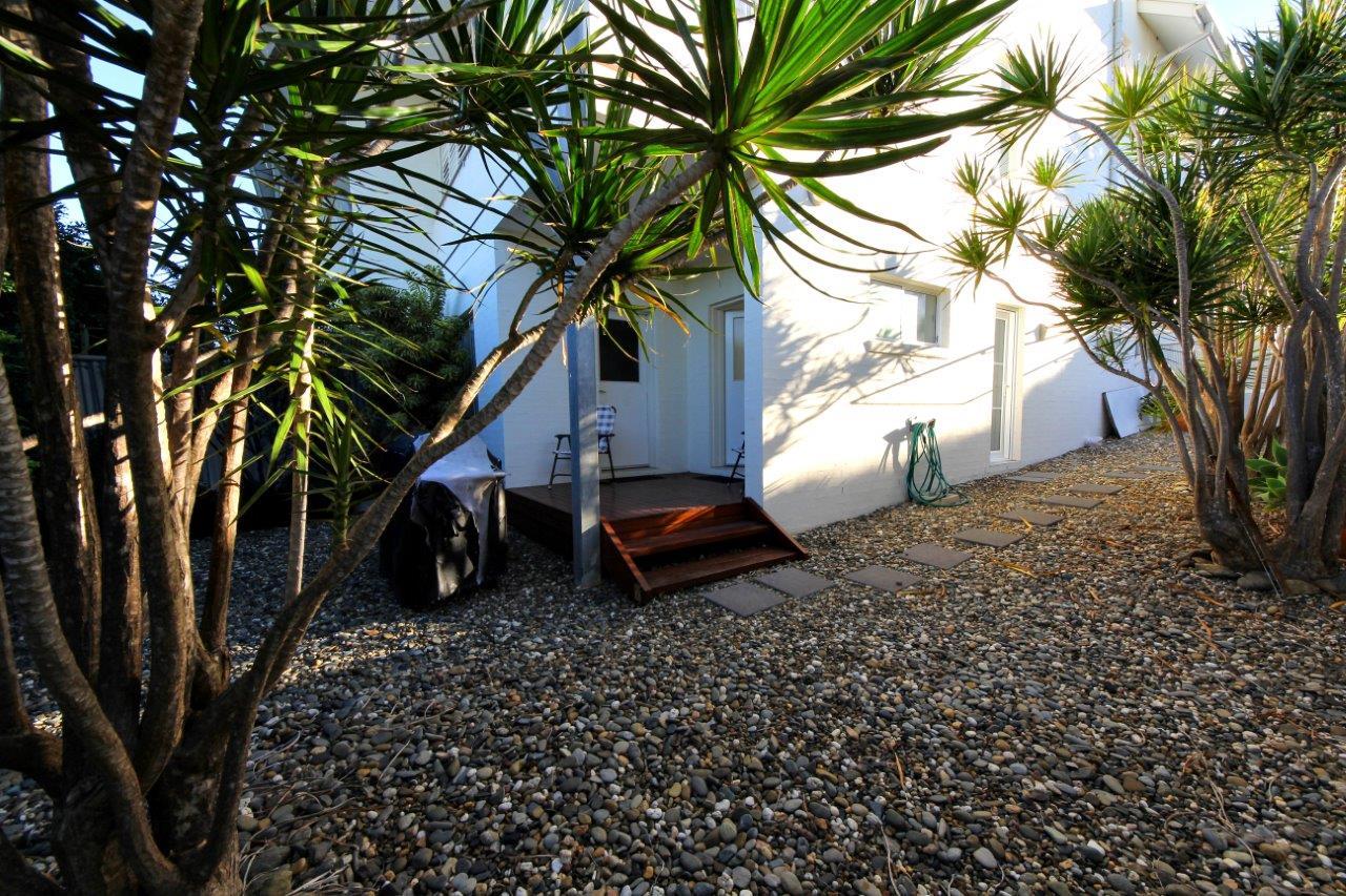 13. Courtyard.jpg