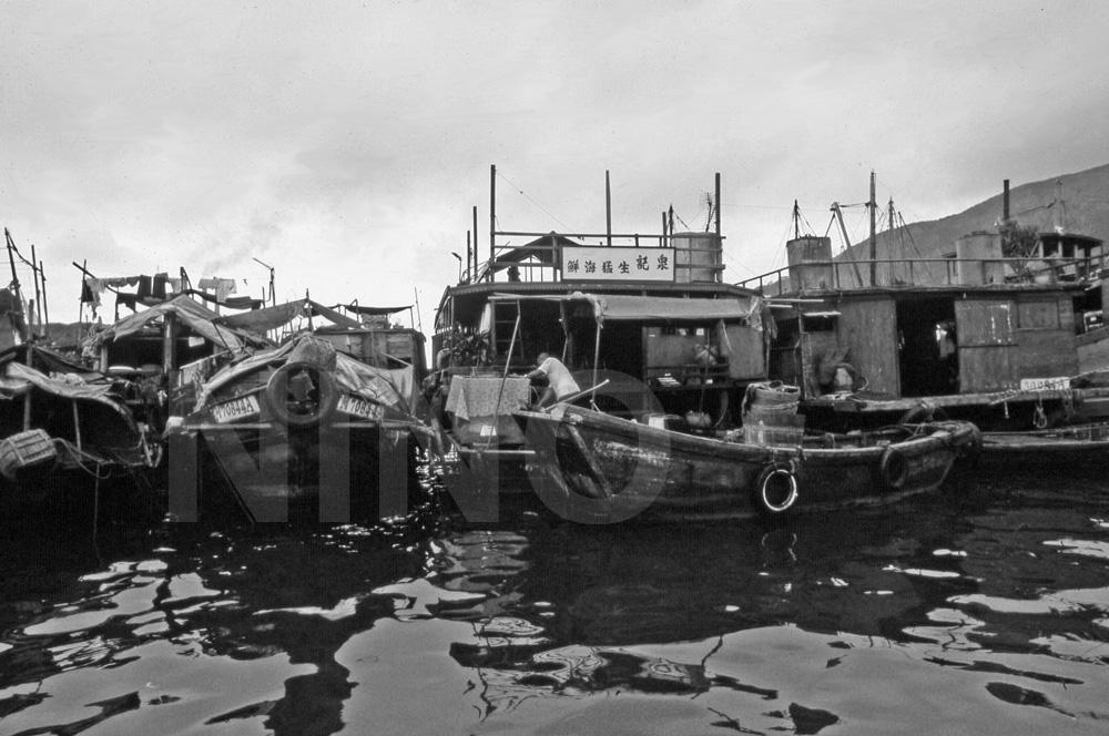 Boat B&W 5.jpg