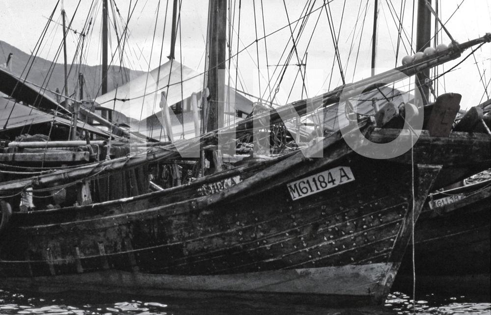 Boat B&W 9.jpg