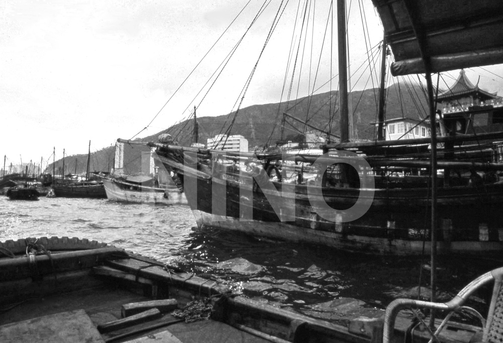 Boats B&W 1.jpg