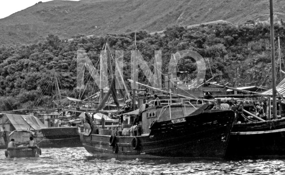 Boats B&W 5.jpg