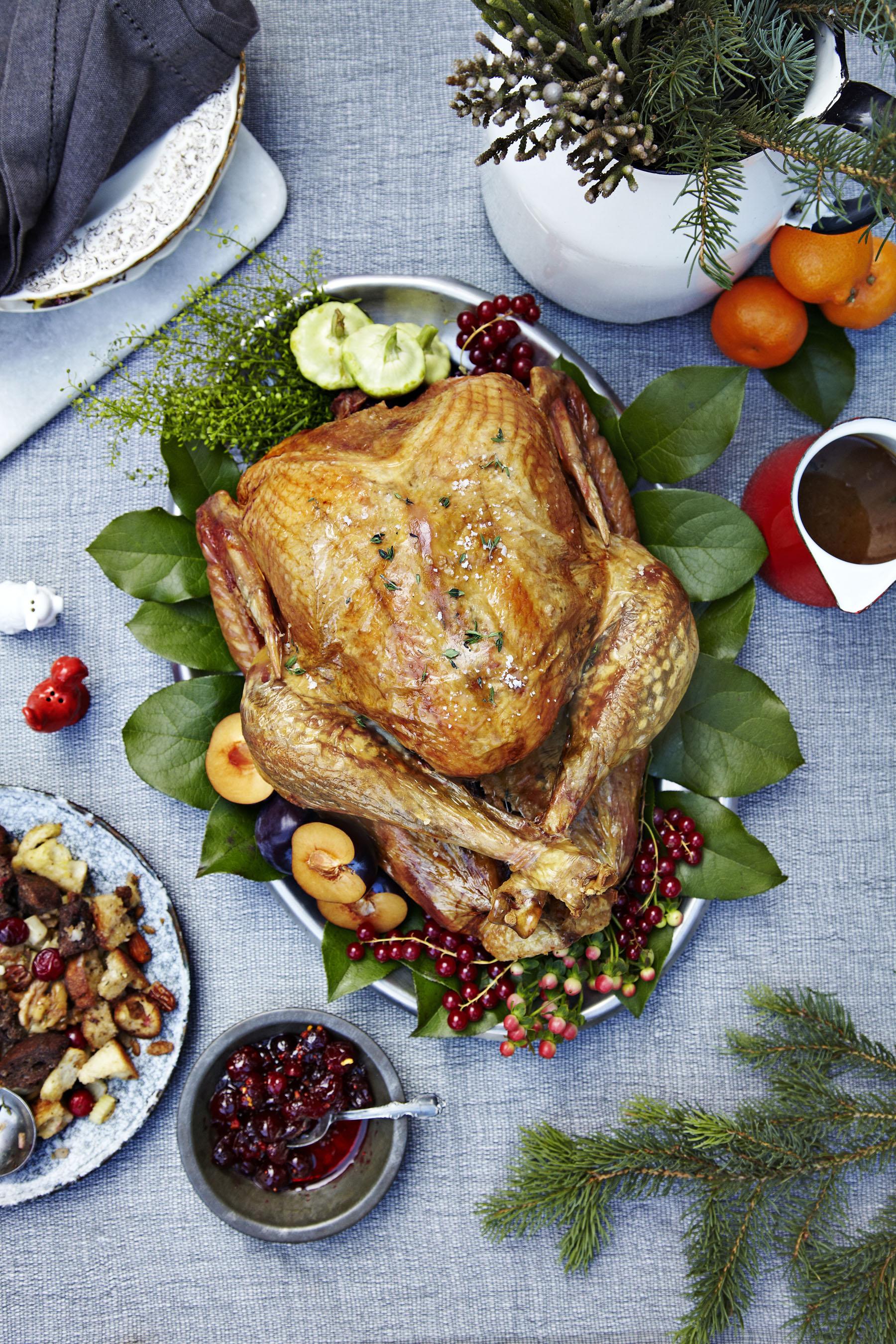 Full Cooked Turkey_Christmas.jpg