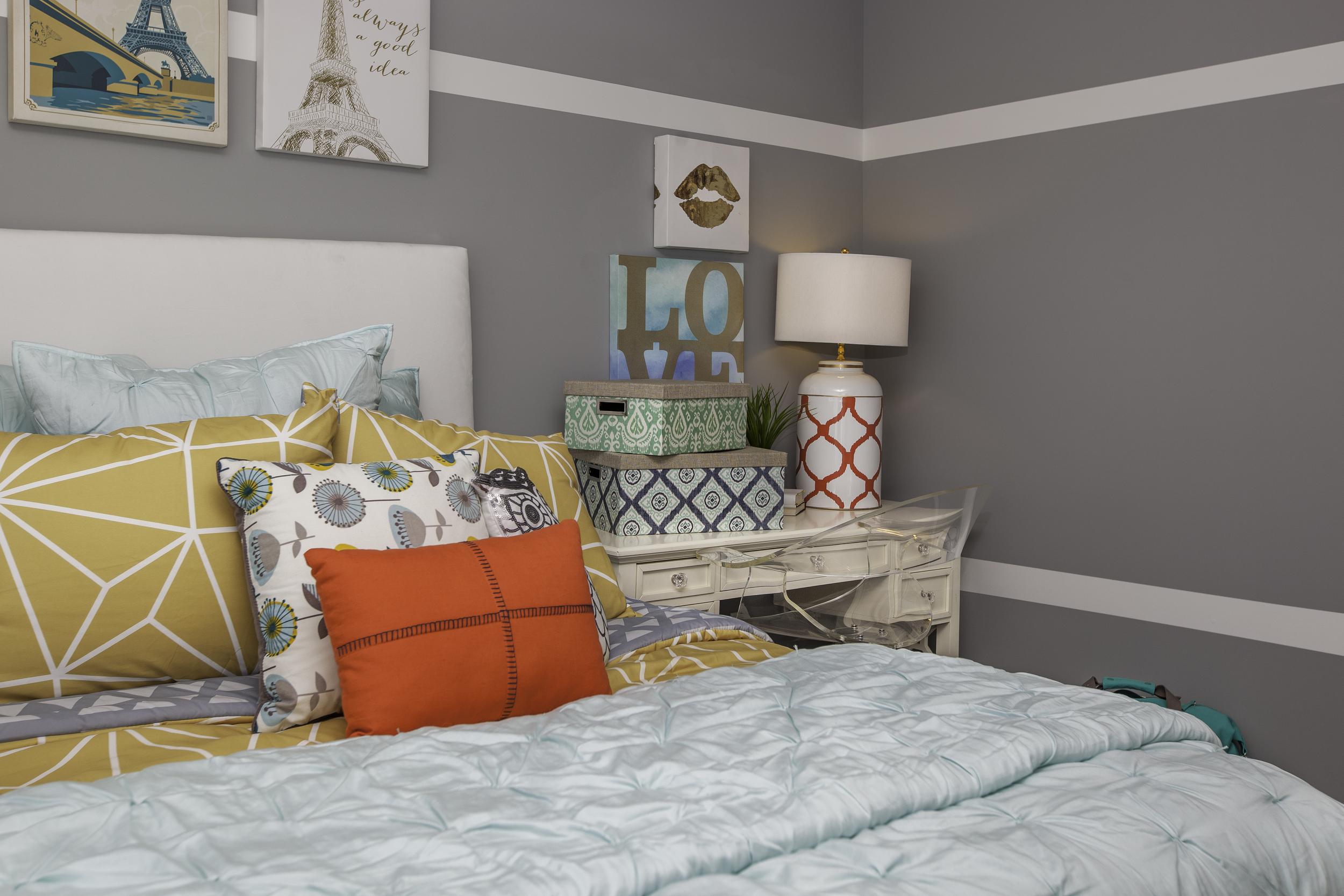 Bedroom_desk_final.jpg