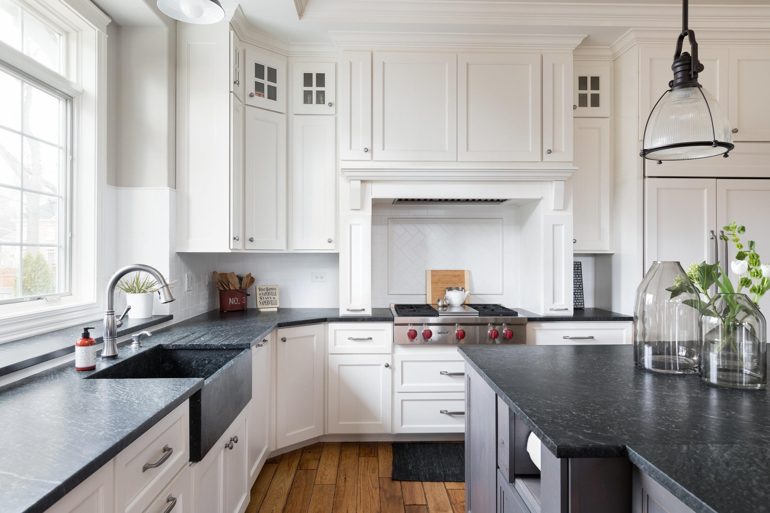 Lakewest kitchen.jpg