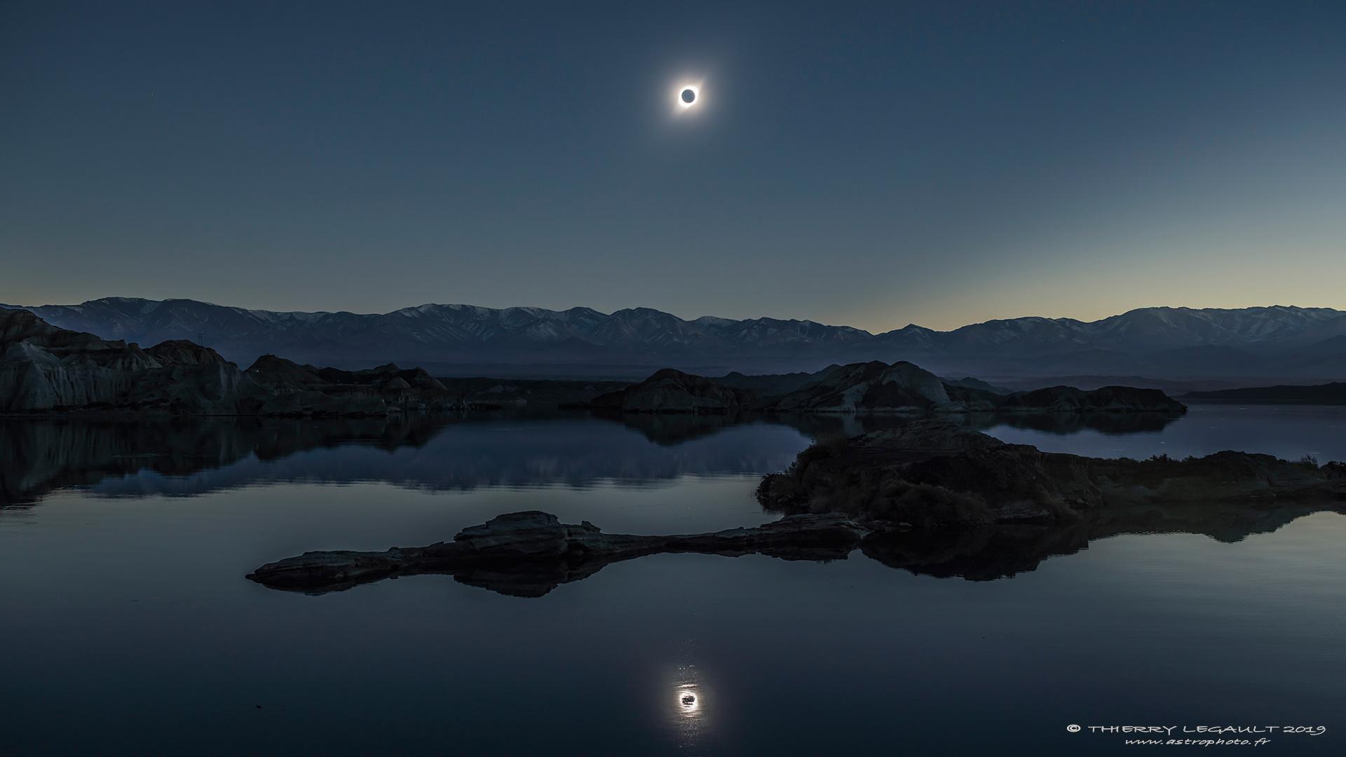 DoubleEclipse_Legault_1920.jpg