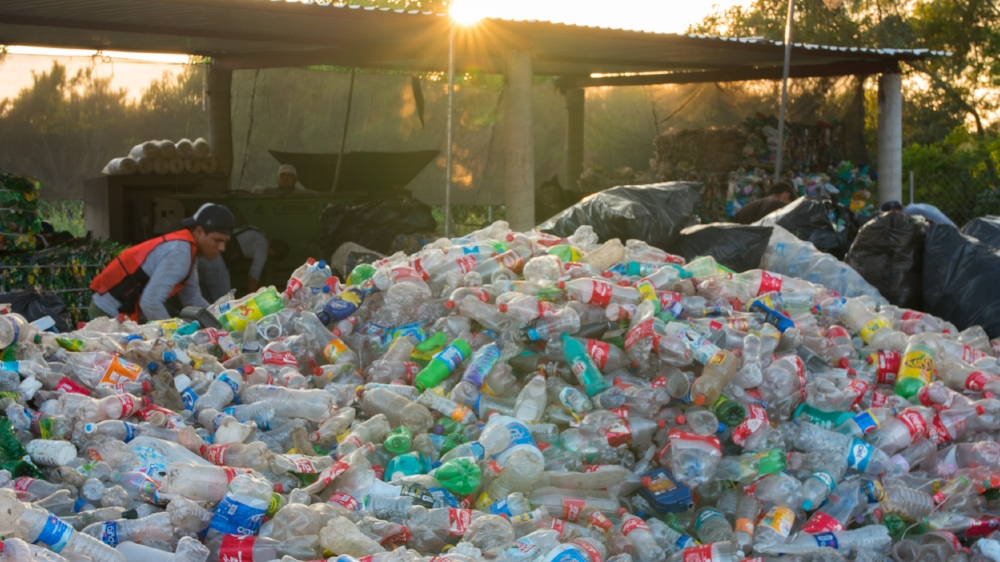2015_12_22_Plastico_Day2_RecyclingCenter_GH4_STILLS_0004.jpg