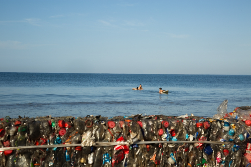 2015_12_27_Plastico_Day6_MorningBeachPlastic_5DMK3_STILLS_0078.jpg