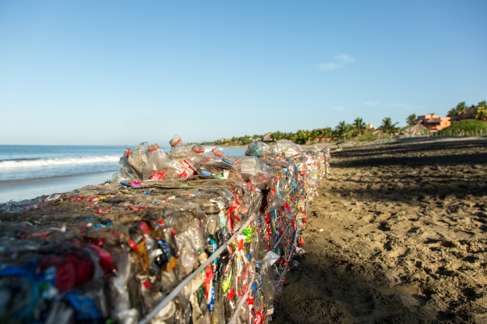 2015_12_27_Plastico_Day6_MorningBeachPlastic_5DMK3_STILLS_0063.jpg