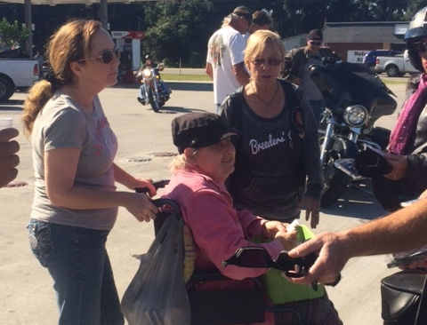 Motorcycle-Ministry-at-Motorcycle-Event-helping-people