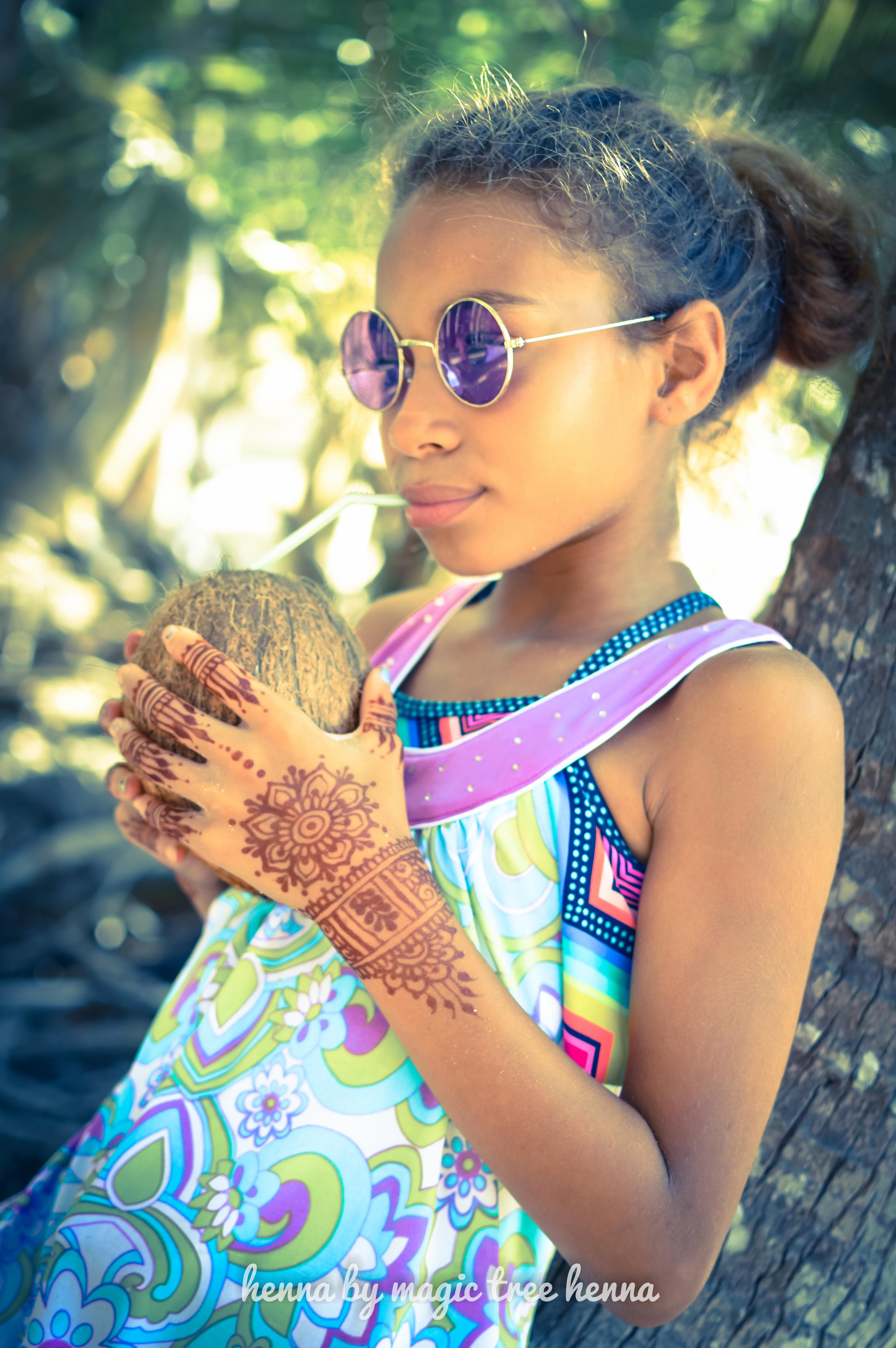 henna design inspired by heartfire henna