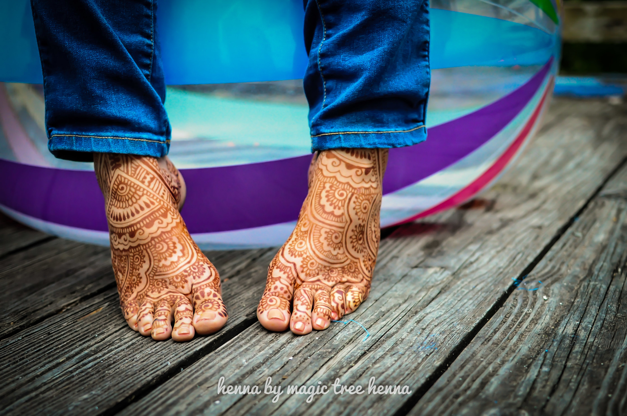 foot henna design by henna lounge