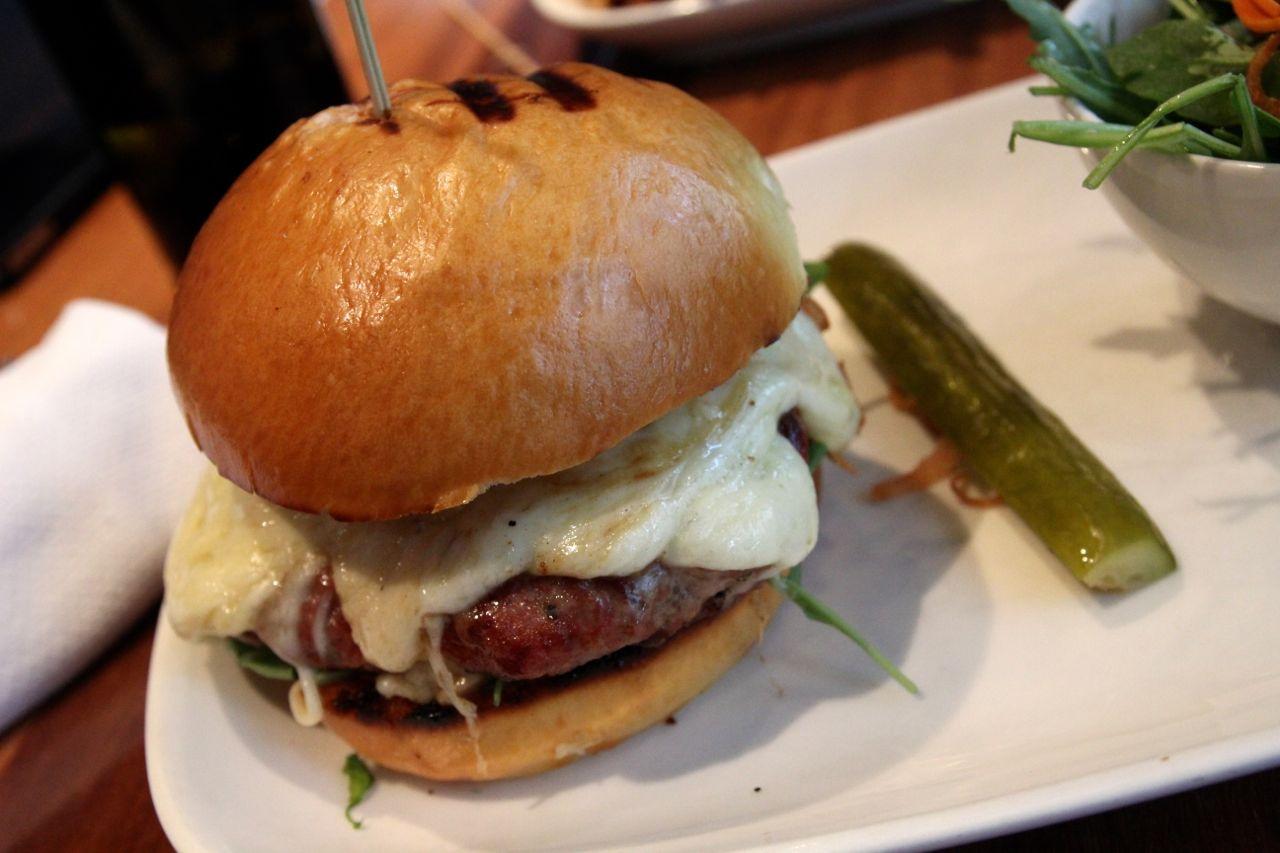 CHARCUT burger