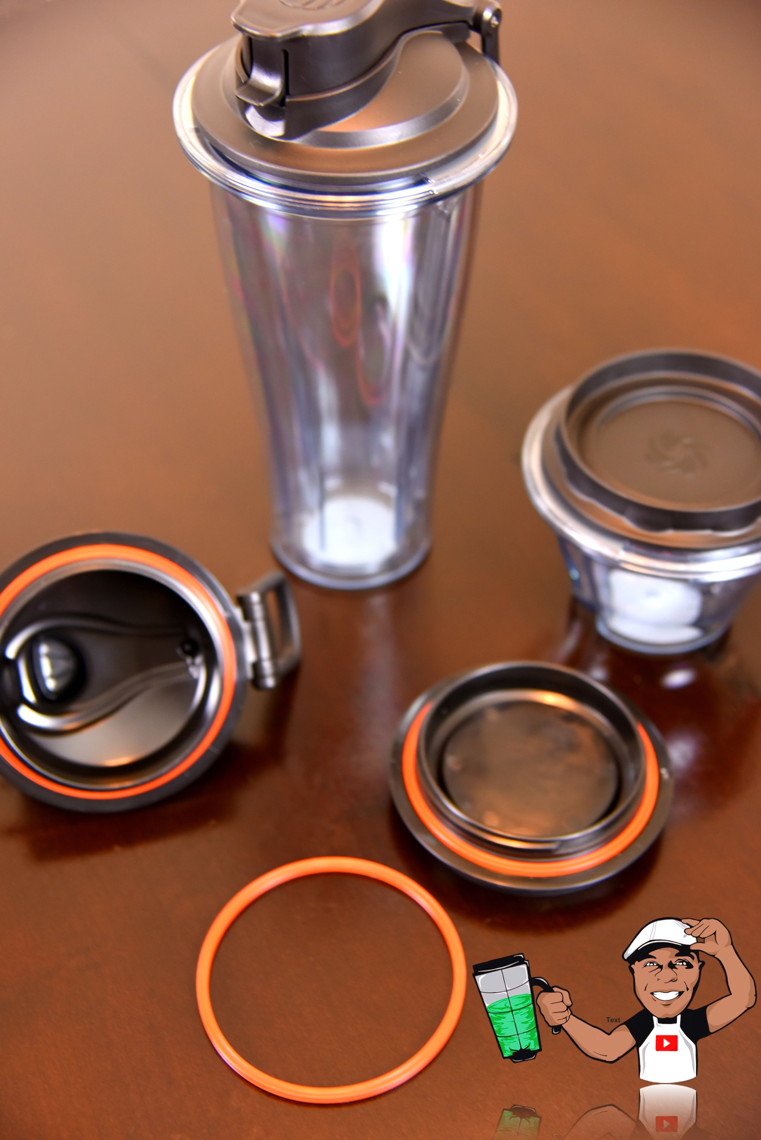 20oz cup and 8oz bowl with lids and gaskets. -