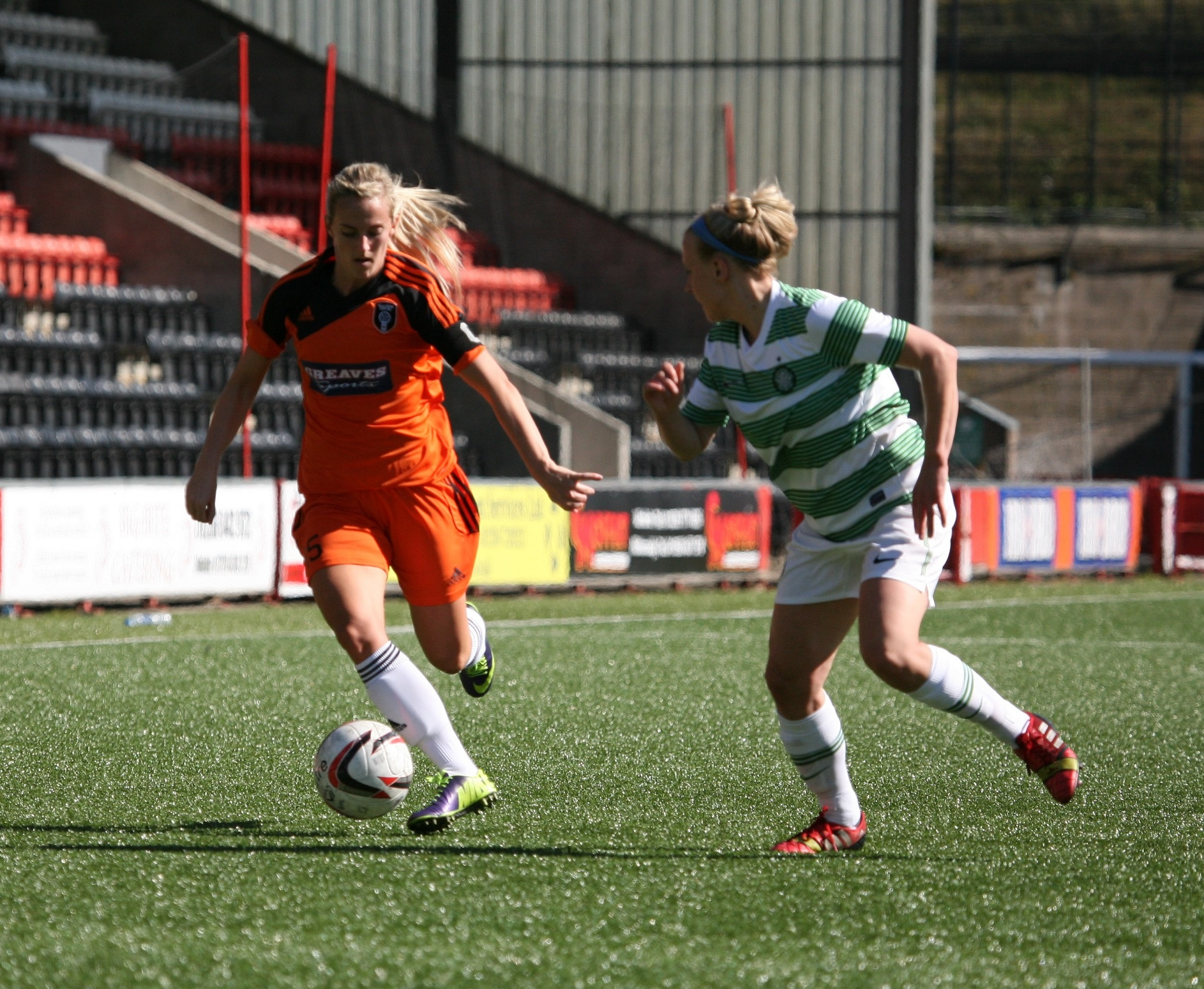 Emma Black on the attack for City. Image by Andy Buist